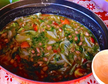 CANNELLINI BEANS AND ESCAROLE SOUP