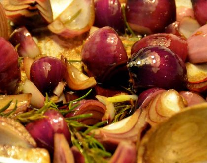 BRAISED ONIONS WITH BALSAMIC AND ROSEMARY